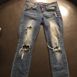 Destroyed wannabettabutt jeans